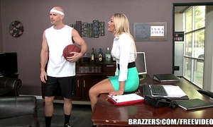 Brazzers - aubrey show receives pounded in the shower