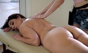 Stepdaughter does specific massage on her mama - samantha hayes, mindi mink