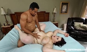 Goth breasty plumper kitty mcpherson is gangbanged by black schlong
