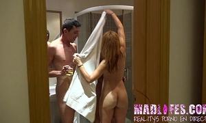 Madlifes.com - reality show porno español salva y lucia en la ducha y bukake