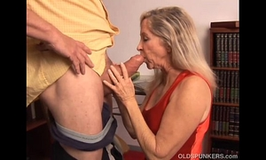 Beautiful aged blond has a very hot body and is a hawt fuck