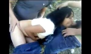 Cojiendo en el campo con two weyes por www.pornomxdonkey.blogspot.com
