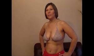 Amateur milf - porn movie scenes