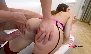 Susie q anal training (nasty recent bitch filmed during her 1st time anal) rs018