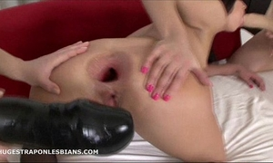 Alisya has her arsehole gaped by allies with massive ding-dong dildos
