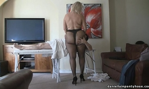 Pantyhose massage large arse woman in tights