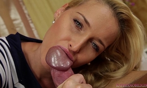 Blowjob from the hot blondie