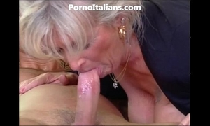 Milf golden-haired acquires beat by muscled man and features - milf di fa scopare dotato