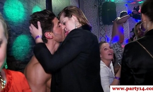 Real amateurs at euro party engulfing on schlong