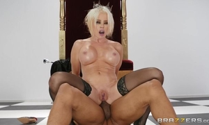 Pale MILF in black stockings gets fucked in the ass