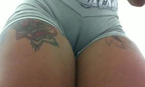 Mulata da cor do pecado tatuada gostosa... com bucetao suculento