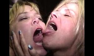 Gross tongues
