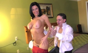 Squirting: veronica avluv cums in the throat of andrea diprè