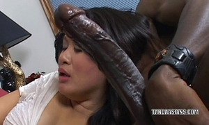 Curvy cutie kiwi ling is on her knees and engulfing pecker