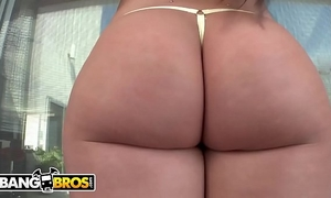 Bangbros - pawg lola foxx's large booty will blow u away!