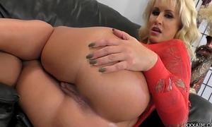 Mistress r. conner demands u to worship her gazoo! . free webcams here xxxaim.co